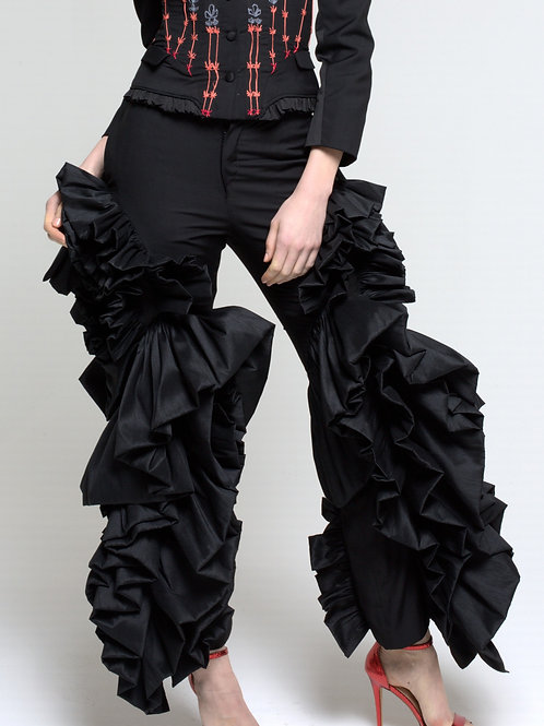 Tailored ruffled throusers