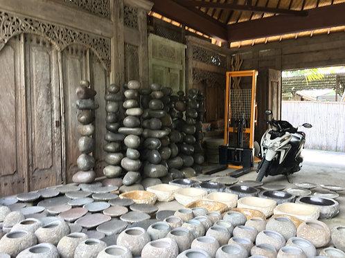 Colonne de pierre decorative