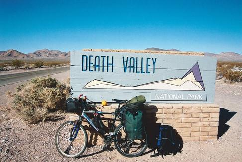 Death_Valley_2_2002.jpg