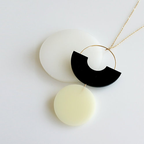 Shapes Play Necklace Black