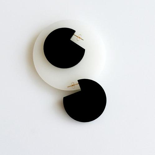Cir Cutout Earrings Black