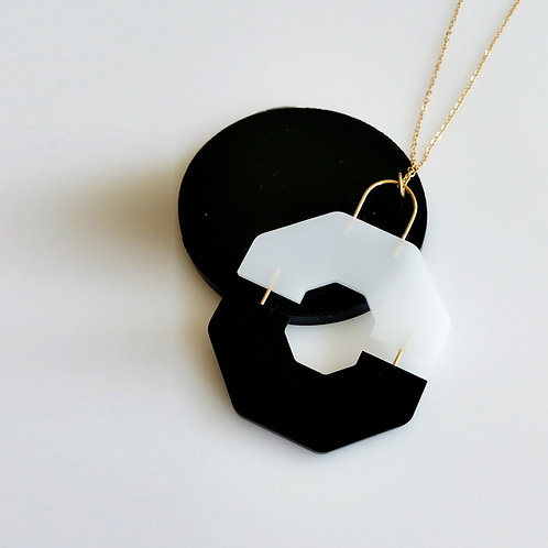 Split Necklace Black