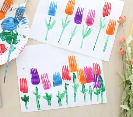 fork-stamped-tulips-craft-toddler-at-pla