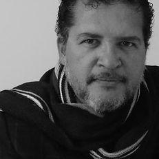 marco_antonio_valencia_premio_literario_