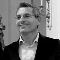 """Estética de la duda, poética del vértigo existencial: Fabrizio Bregoli, """"Zero al quoto"""""""