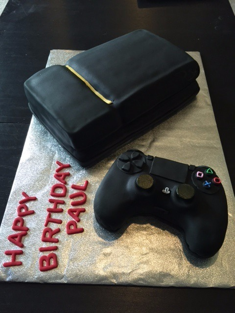 Game console & controller cake