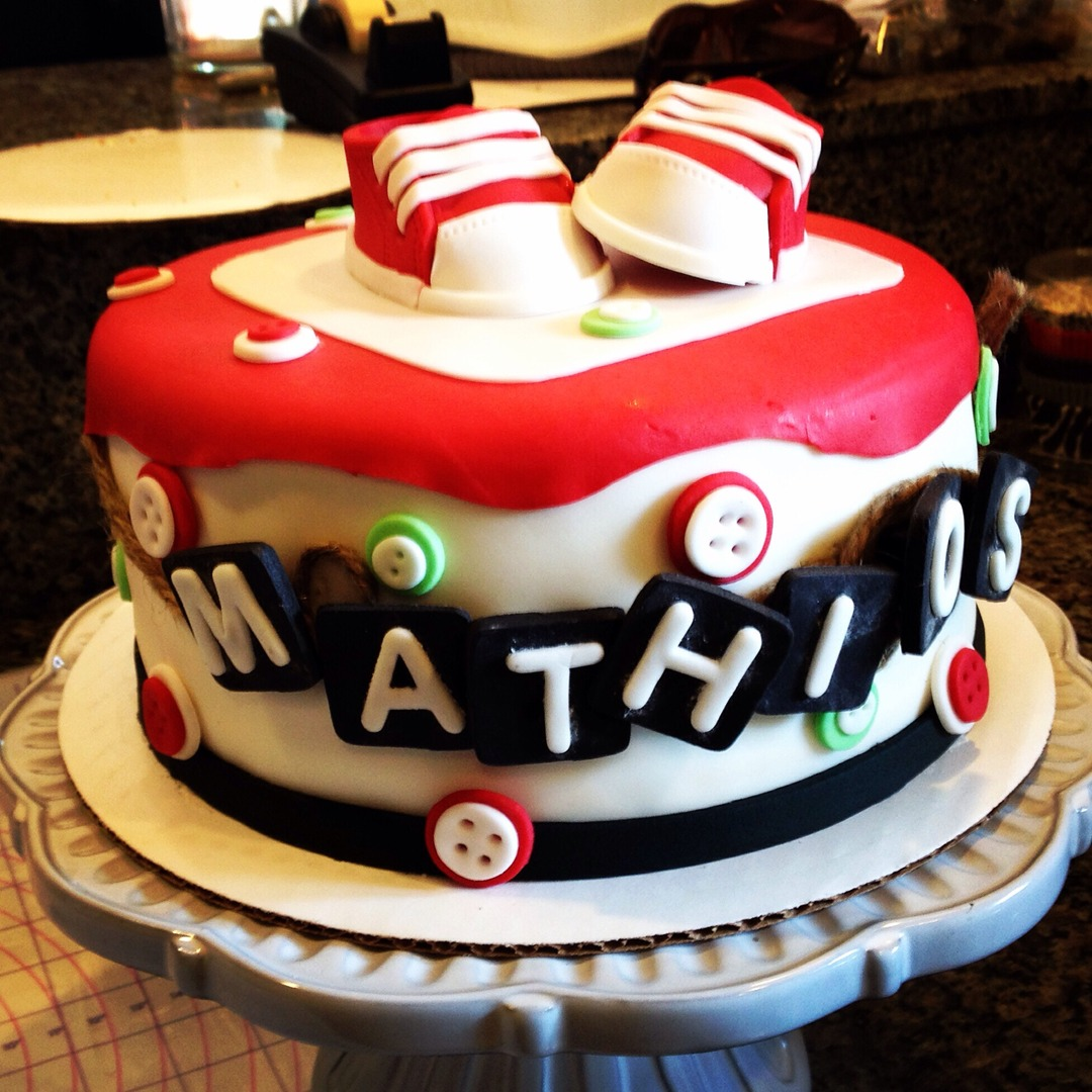 Baby shower cake- buttons/shoes