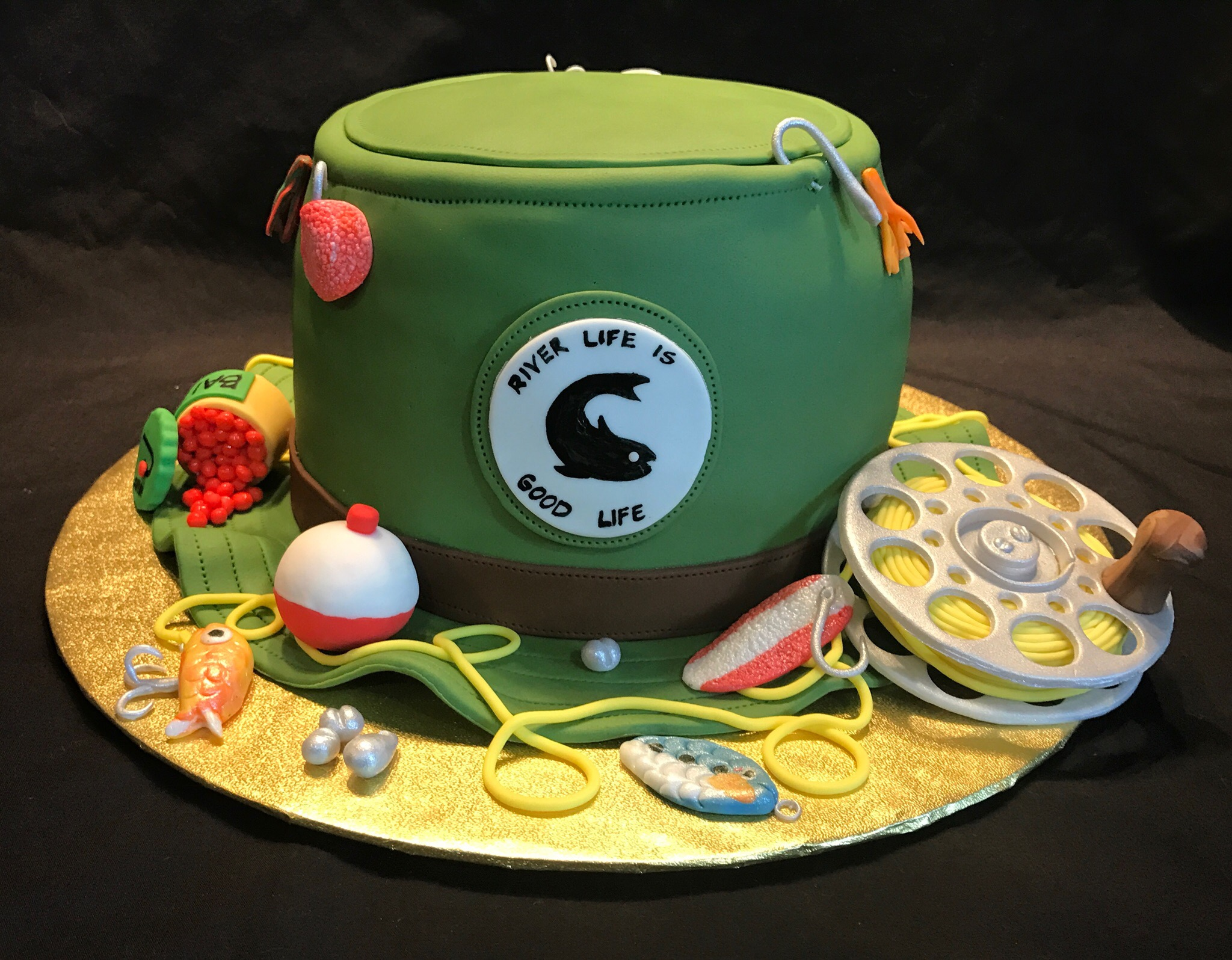 Fishing hat cake