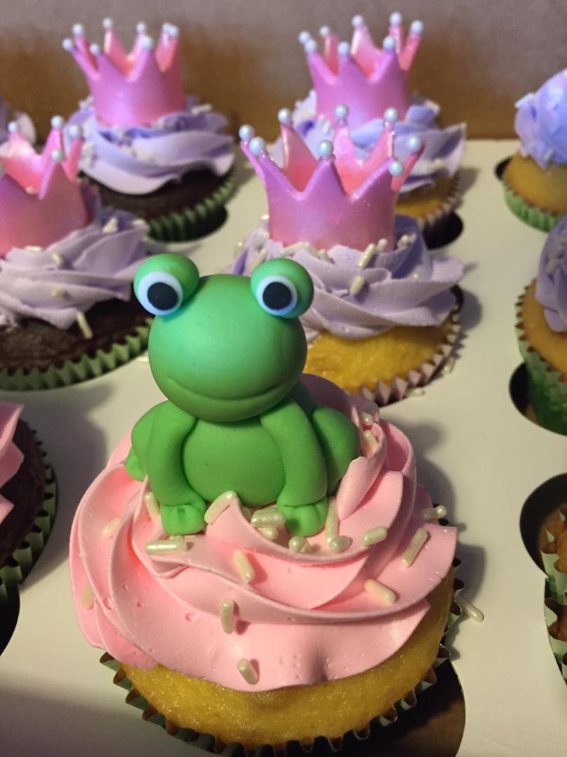 Princess/Frog cupcakes