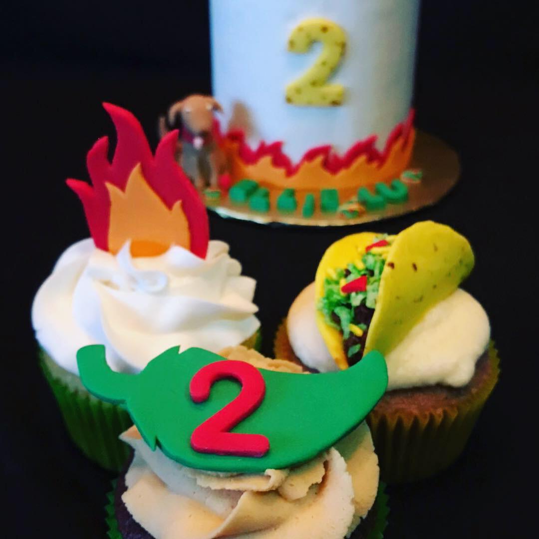 Dragons an tacos cupcakes