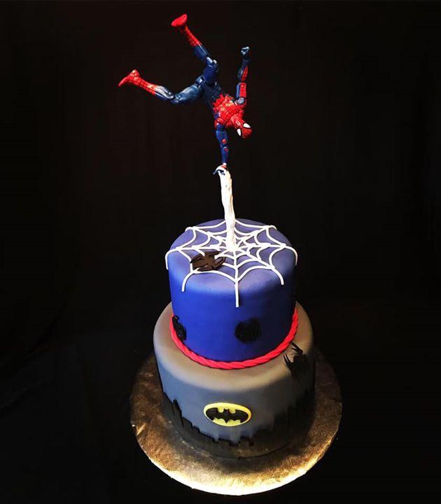 Spiderman_Batman cake