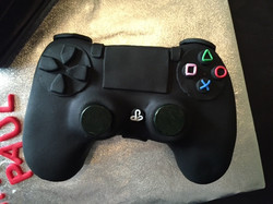 game console & controller cake