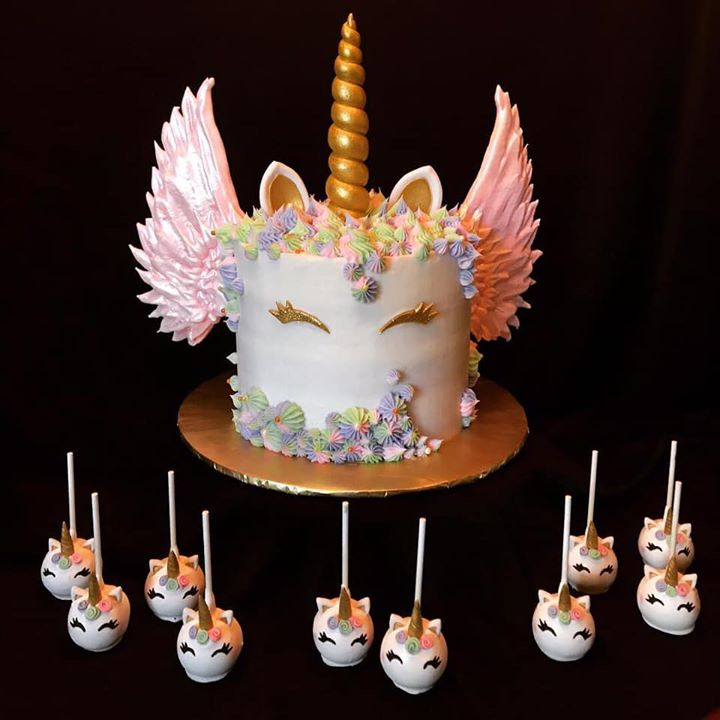 Unicorn with wings cake and cake pops