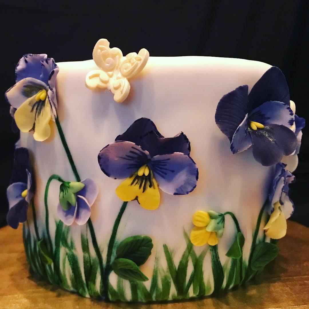 Pansy Cake