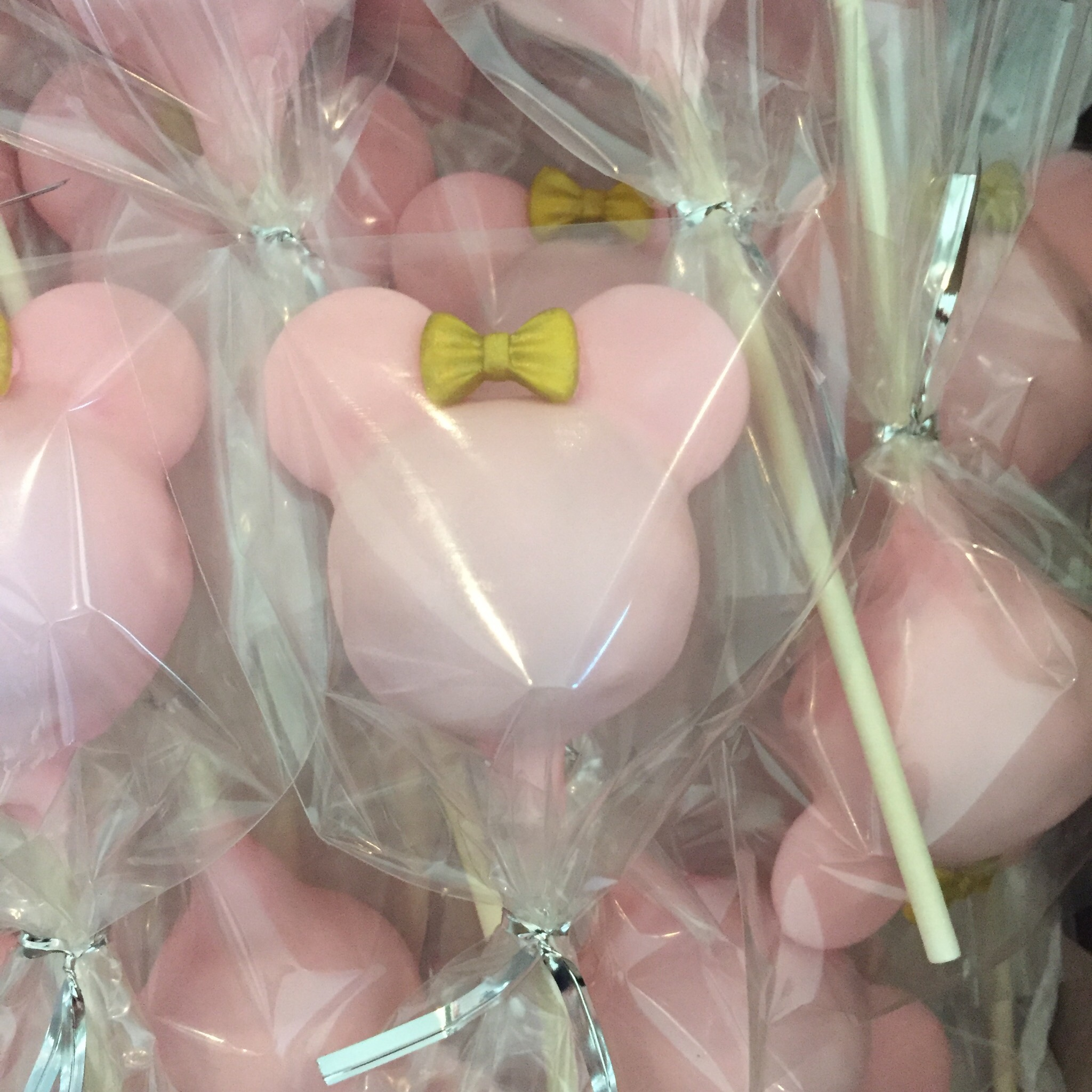 Pink mouse cake pops