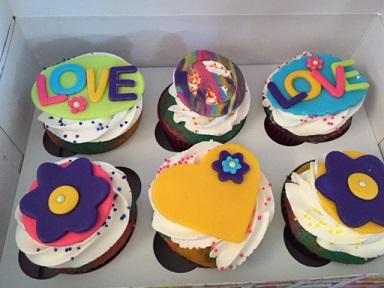 Peace & Love cupcakes