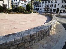 Mur pierre monuments aux morts.jpg