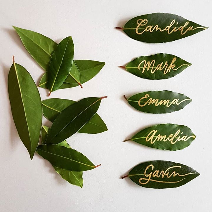 Leaves place cards