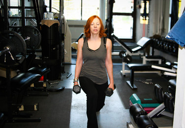 client_workout_weighted_lunges.jpg