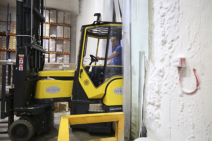 Aisle master narrow aisle forklift for sale