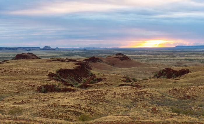 Sunrise over Millstream