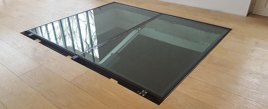 Trappe de cave vitrée motorisée