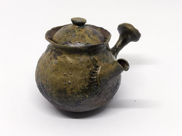Théière façonnée main 2 /Hand pitched teapot 2 - 214ml