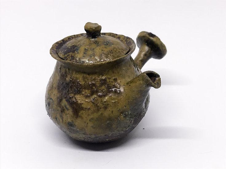 Théière façonnée main 3 /Hand pitched teapot 3 - 200ml