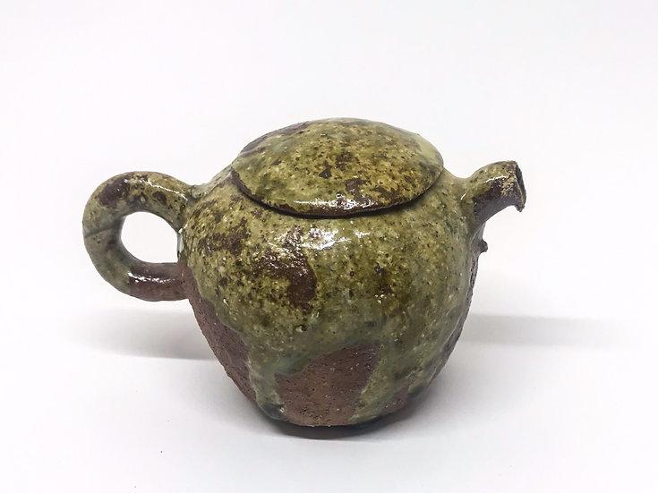 Théière façonné main 3 /Hand pitched teapot 3