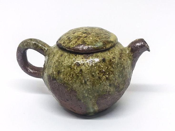 Théière façonné main 2 /Hand pitched teapot 2