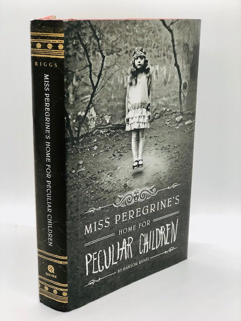 Miss Peregrine's Home for Peculiar Children (Book 1 of 6 Vol. Series)