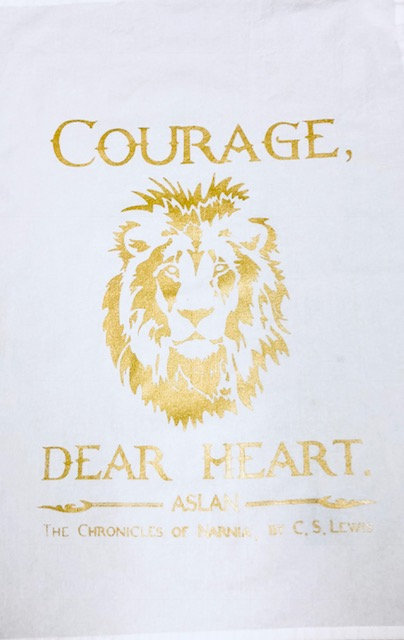 "Tea Towel: ""Courage"", Aslan, THE CHRONICLES OF NARNIA"