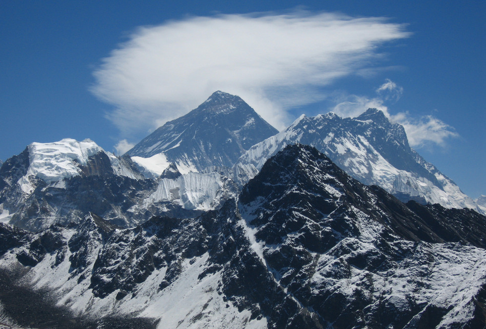 First view of Mount Everest from Gokyo Peak