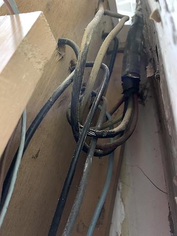 Sécu-Domo-Elec à Saumur découvre des câbles déteriorés chez son client