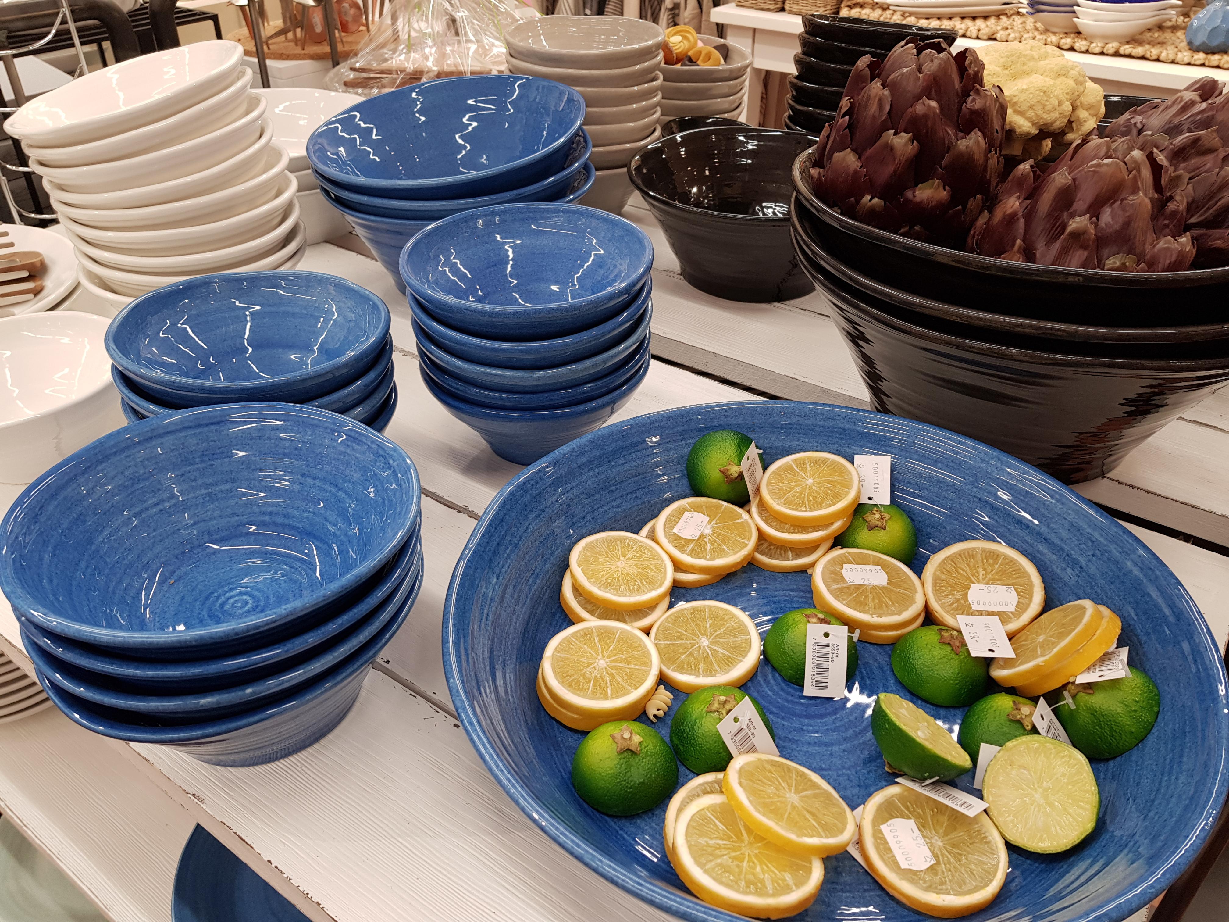 Bilder från butiken Nybäddat i Åkers
