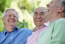 Trzech przyjaciół śmieje
