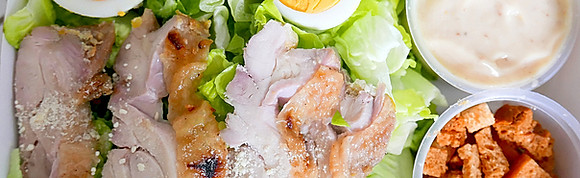 CLASSIC CAESAR SALAD WITH GRILLED CHICKEN