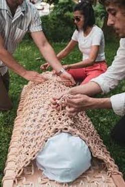 shainagarfield-rope-coffin
