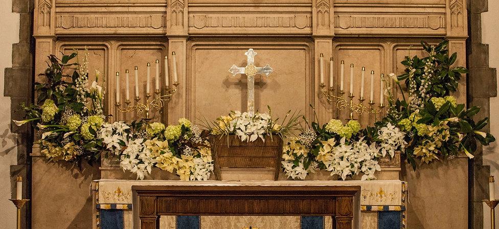 Christmas Altar 2019.jpg
