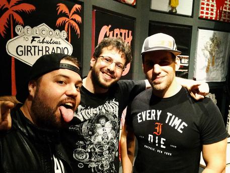 Episode 30 featuring Sebastian Suave & James Kee (Smash Wrestling)