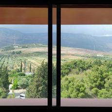 תמונה מציאותית מחלון חדר