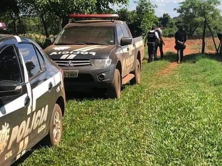 Homem que abusava de enteada em cárcere privado troca tiros com a polícia e morre em São Nicolau