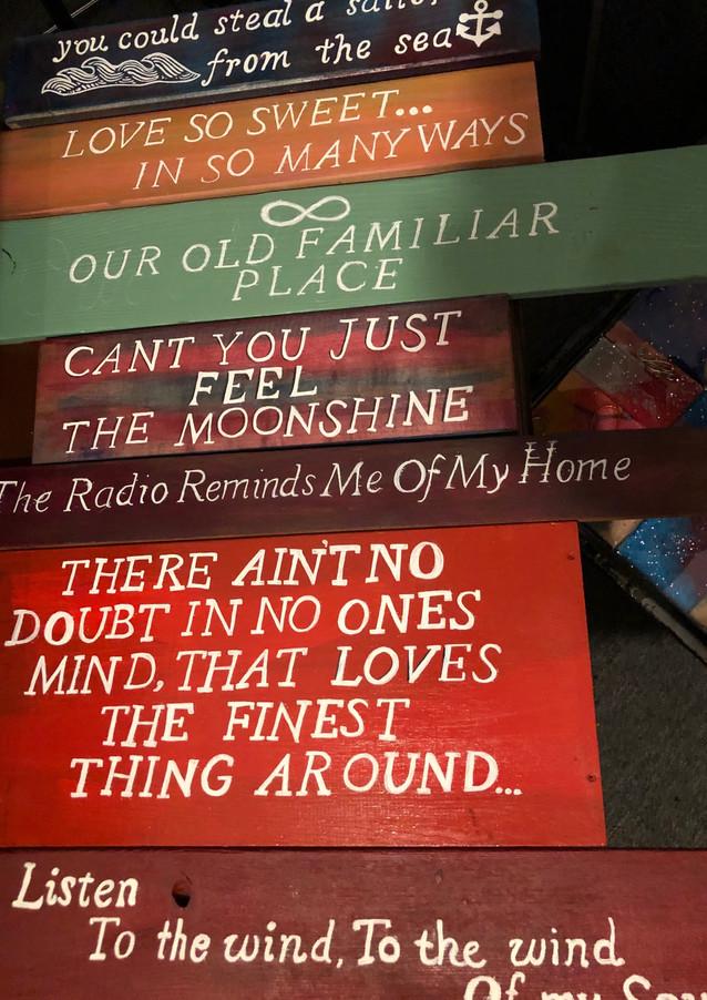 Hand Painted Signs - Lyrics