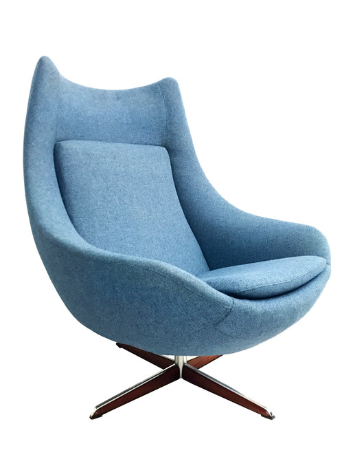 Retro Sculptural Egg Lounge Chair Circa 1960s Designed By H.W. Klein For  Bramin Furniture In Denmark. Features A Smooth 360 Degree Swivel Base In A  Blue ...