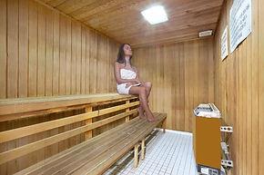 Sauna_Room_Lo-Res.jpg