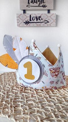 Corona plumas con un número