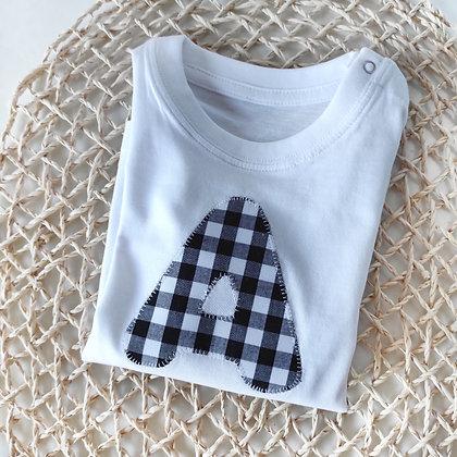 Camiseta manga larga o corta con numero, inicial o bolsillo