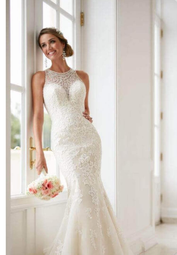 Stella York 6435. Size 12. Was £1299. Now £750