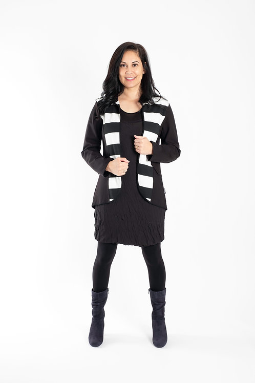 NEW SEASON - BLACK AND CREAM JACKET -JW2127