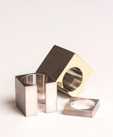 aneis geometricos em prata . wee